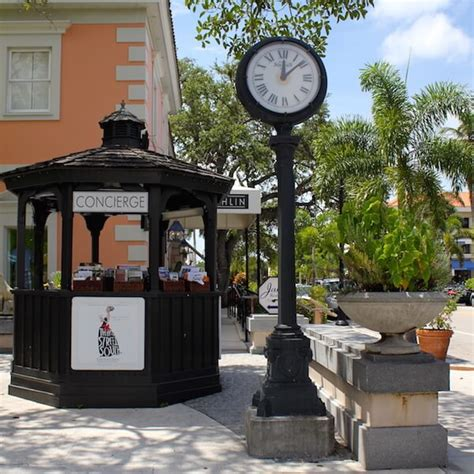 naples shopping malls outlets stores