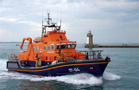 Rnli rnli st peter port lifeboat 4928 x 3218 · jpeg