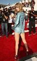 Taylor Swift Height Weight Body Statistics Boyfriend ...