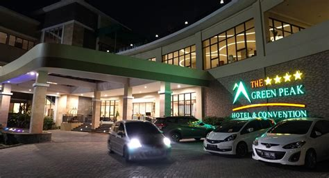 green peak hotel nyaman  kamar luas  fasilitas