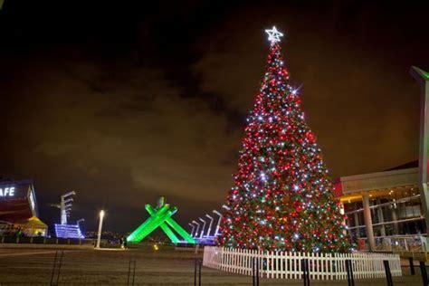 vancouver christmas tree lighting festival dazzles  dec