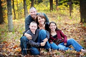 Group poses, Big group and Family portraits on Pinterest