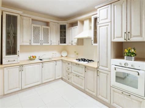 Современный дизайн кухни из массива  35 фото идей интерьера