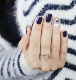 Cute simple easy winter nail art designs ideas