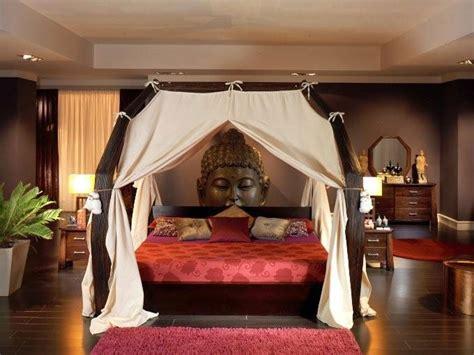 chambre avec lit baldaquin lit baldaquin bois wenge sarang buaya dimensions au choix
