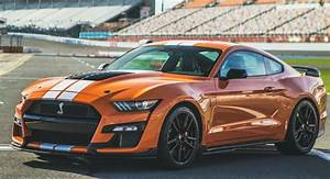 Ford Insists Mustang Shelby GT500 Owners Take Driving ...