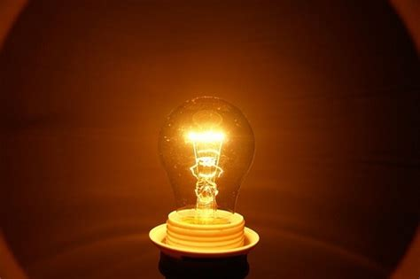 light bulbs that don t give off heat thunderbolt kids