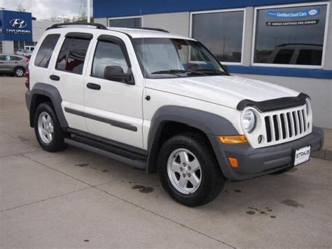 jeep liberty white 2005 jeep liberty white suv mitula cars