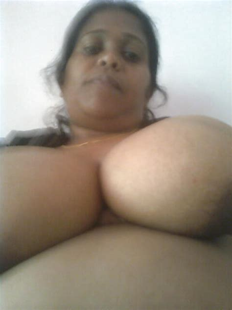 Srilankan Aunty 11 Pics