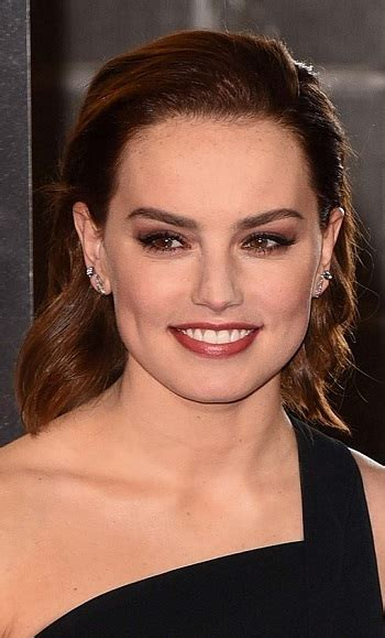hairstyles daisy ridley pinned  hairstyle