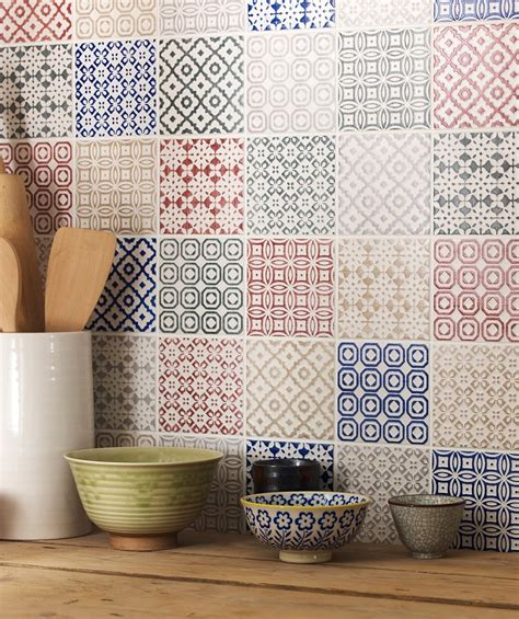 top tips   decorate  tiles love chic living