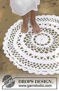 Runder Teppich Wolle : geh kelter runder teppich mit lochmuster in 3 f den drops paris kostenlose anleitungen von ~ Markanthonyermac.com Haus und Dekorationen