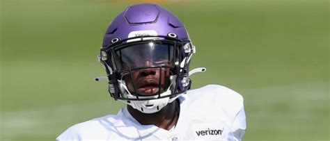 report vikings player jeff gladney arrested  domestic