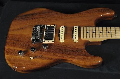foto de G&L Legacy Deluxe Limited Edition East Indian Walnut
