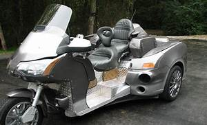 Bizarre Ford Focus Honda Goldwing Trike Sells for $9,100