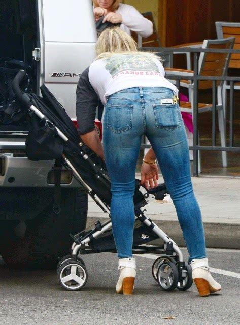 Faith Hills Ass Tight Jeans Bent Over