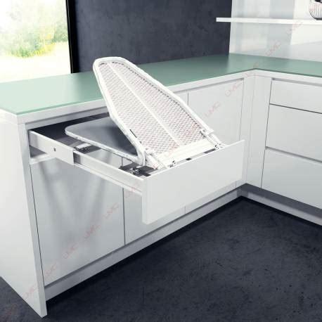 table cuisine escamotable tiroir table à repasser tiroir escamotable accessoires de dressing