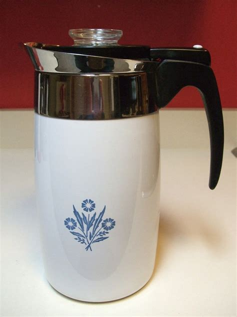 Not sure of the maker as it is not stamped on the bottom, nor am i sure of the time period. Corningware Electric Coffee Pot Percolator Ten Cup ...