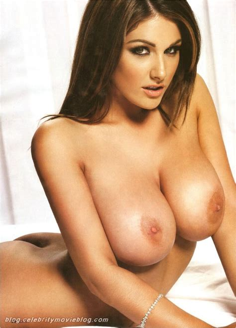 Hot Sexy Celebrity Picture Lucy Pinder Showing Her Big Boobs