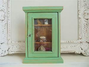Shabby Chic Vitrine : small showcase green antique green shabby chic unique showcase vitrinen und wandschr nke ~ Eleganceandgraceweddings.com Haus und Dekorationen