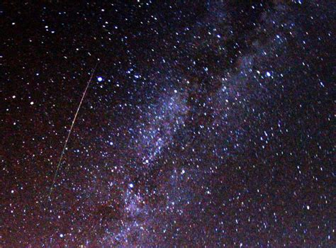 perseid meteor shower   peak  august