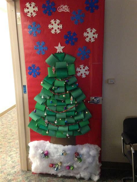 christmas door decorations images  pinterest