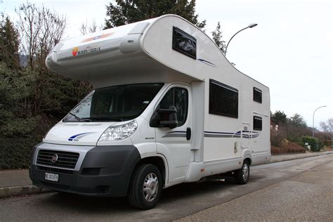 vendre camping car de prive  neuchatel