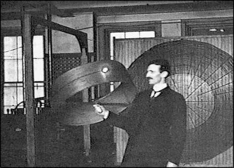 В одной из передач слышал что никола тесла хотел и знал как сделать так что бы электричество передавать на расстояния без проводов как думаете это возможно?— 2 answers