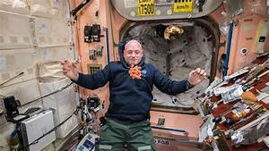 Astronaut Scott Kelly spending nearly a year in space ...