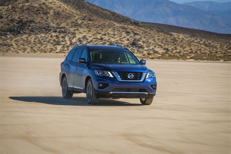 nissan pathfinder   face greater towing abilities