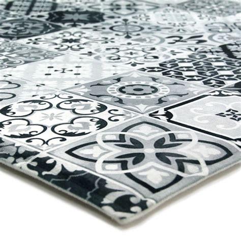 tapis de cuisine grande taille tapis carreaux de ciments noir 40x60cm toodoo tapis