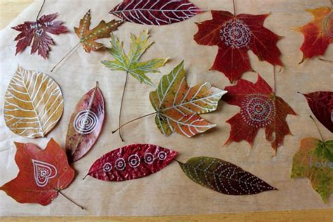cool autumn idea  decorate  kids room wall kidsomania
