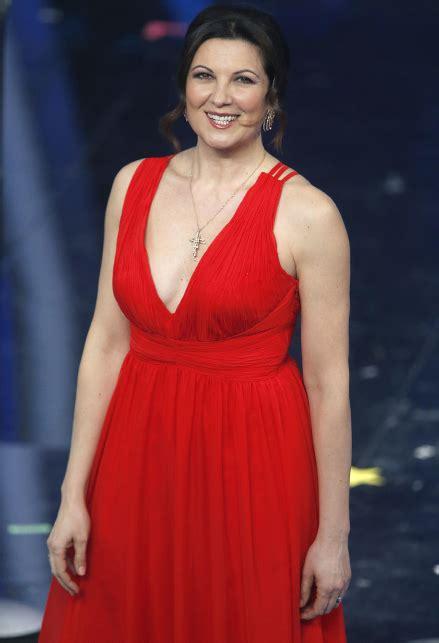Sanremo 2020, i look della seconda serata: Giovanna ...