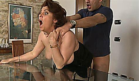 Roberta Mature Italian English Slut