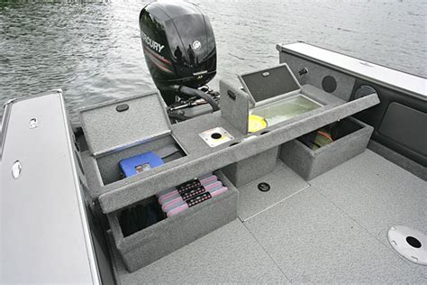 Boat Deck Livewell by Lund Boats Aluminum Fishing Boats 1875 Pro V