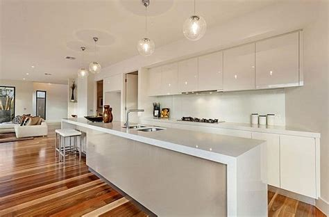 modern kitchen designs melbourne melbourne home blends luxurious interiors with 7696