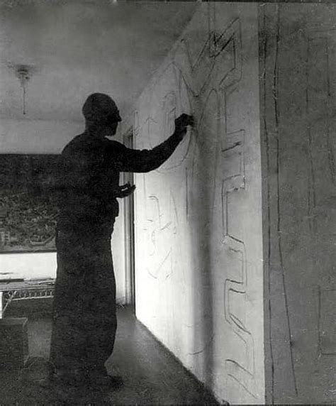 Eileen Gray Le by Le Corbusier Creating One Of Several Quot Unsolicited Murals