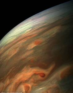 Juno spacecraft captures stunning new look at Jupiter ...