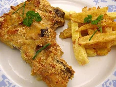 cuisiner des cotes de porc côtes de porc moutardées au parmesan recette de côtes de