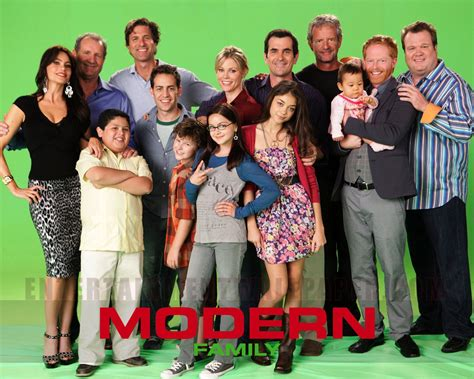modern family hd wallpapers desktop wallpapers 1080p modern family wallpapers