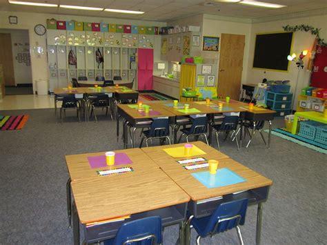 best desk arrangement for classroom management first grade classroom desk arrangement www imgkid com