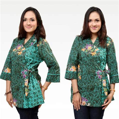 model baju kemeja batik  wanita kancing samping