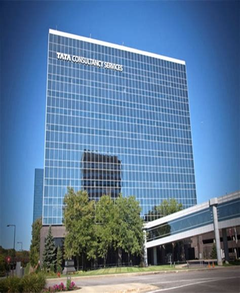 Infosys vs TCS: Which company performed better? - Rediff ...