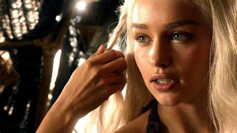 Emilia Clarke (daenerys) La Lía Con Su