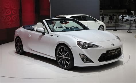 Toyota Scion Convertible by New Toyota Gt86 Convertible Concept Heading To Tokyo Motor