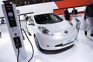 Autonomie Nissan Leaf : nissan leaf 30 kwh 250 km d 39 autonomie pour la leaf l 39 argus ~ Melissatoandfro.com Idées de Décoration