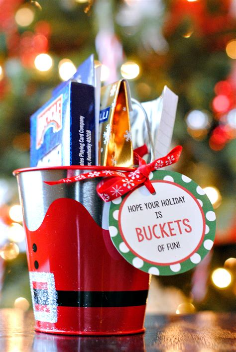 25 christmas gifts for office staff 25 gift ideas squared