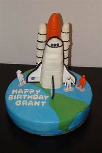 Space Shuttle Cake - CakeCentral.com