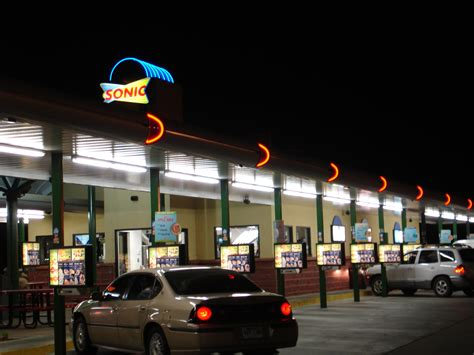 File:Sonic Drive in.jpg - Wikipedia
