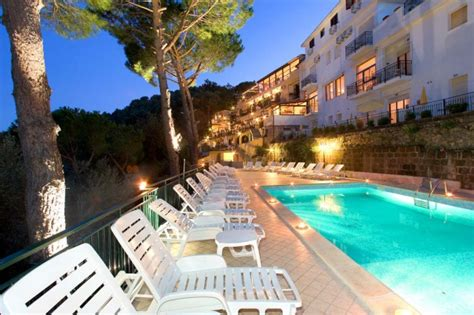Parking Le Terrazze by Hotel Le Terrazze Residence Sorrento And Amalfi Coast